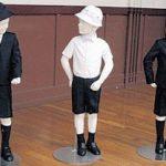 小学校の制服が、アルマーニの制服である価値って?